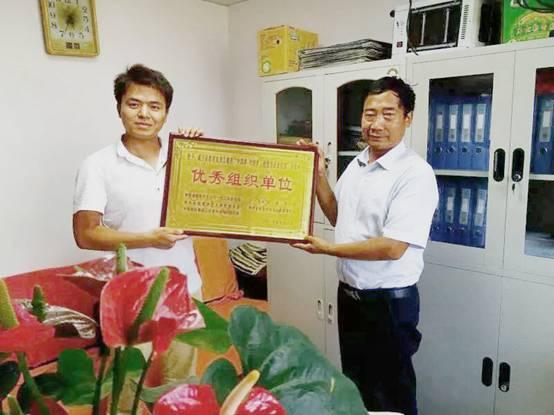 有爱就有动力——记公益中国万里行贵州区副主任、爱心大使邓江龙图1